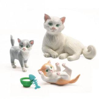 Domeček pro panenky - máme doma kočičky